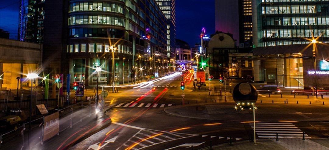 Explorar la fotografía urbana con tu cámara compacta